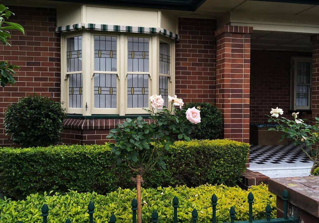 Exterior Bay Window Ideas -one_two_bucklemyshoe