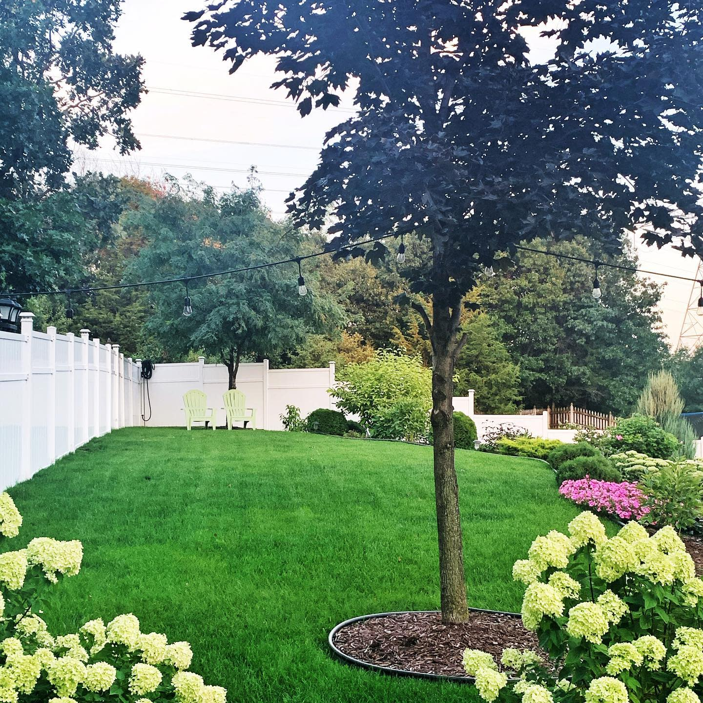Curve Appeal Simple Landscaping Ideas -victorialambertinteriors