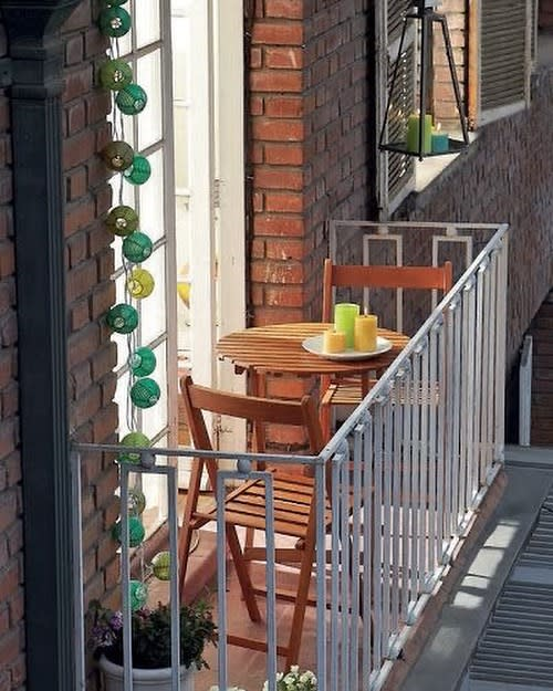 Apartment Small Balcony Ideas -puntodereves