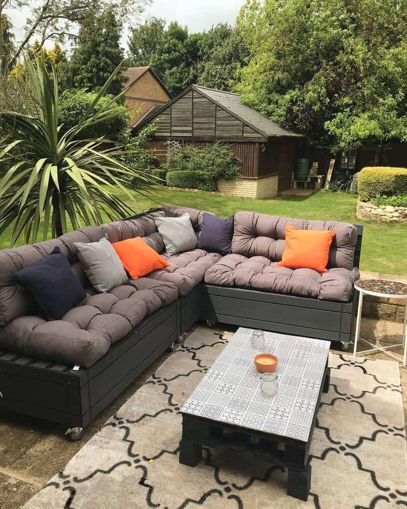 Sofa Pallet Furniture Ideas -a.r.restoration