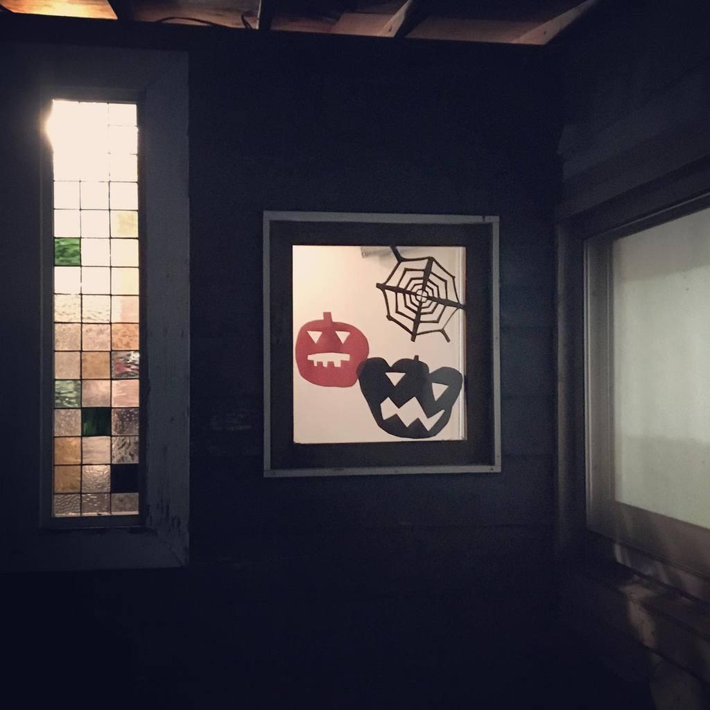 Wall Old Window Ideas -koodoo_oui