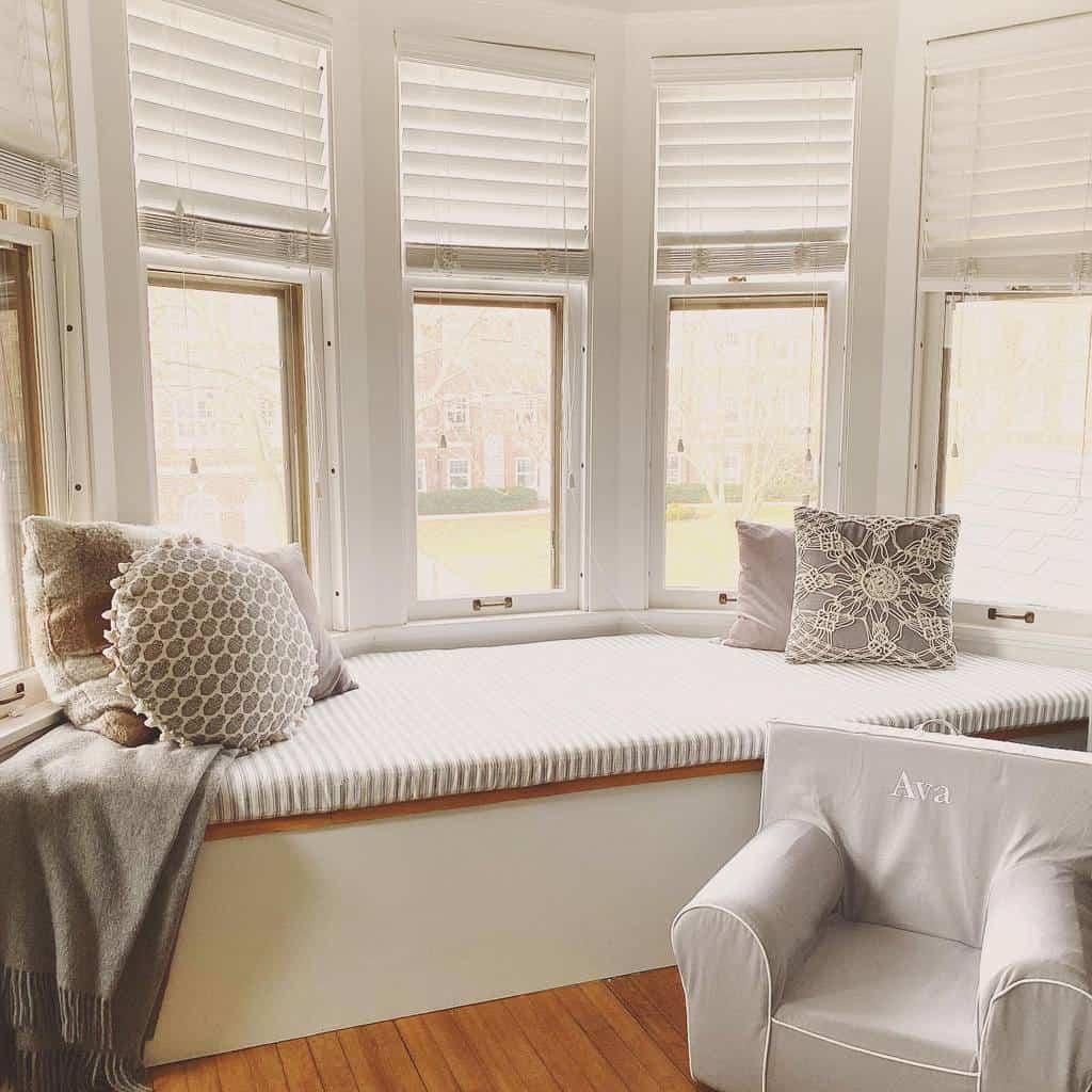 Window Seat Bay Window Ideas -lynncgriffith