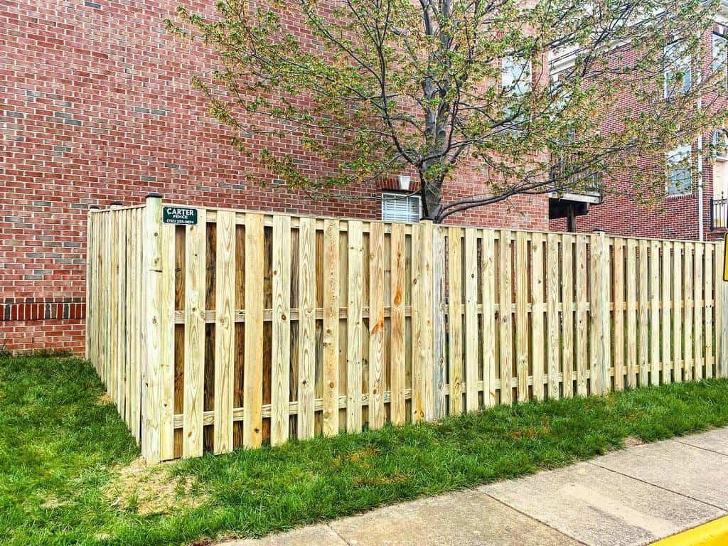 Backyard Pallet Fence Ideas -carterfencecompany