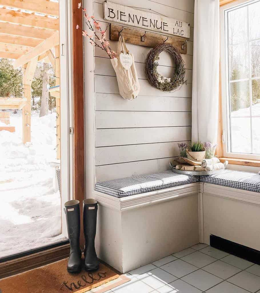 Bench Small Entryway Ideas -homesweetlakehouse