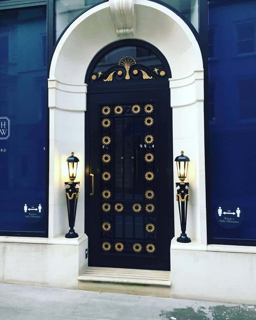 Blue Front Door Ideas -lindaholten