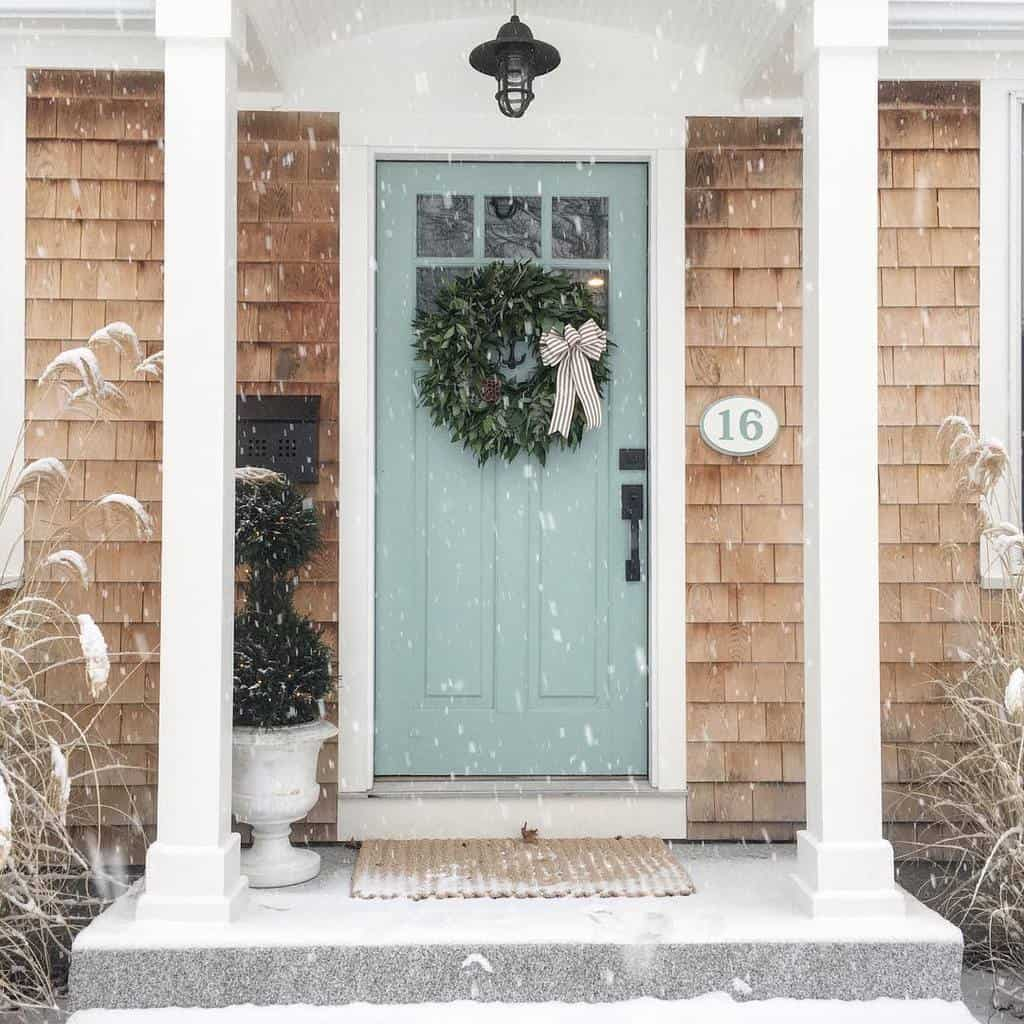 Christmas Front Porch Decorating Ideas -betweenwindwater
