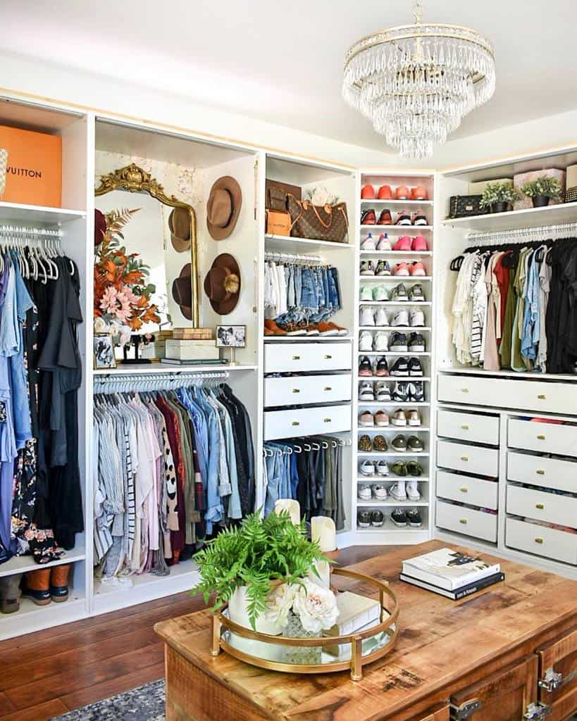 Closet Clothes Storage Ideas -ashleynicoleinteriors