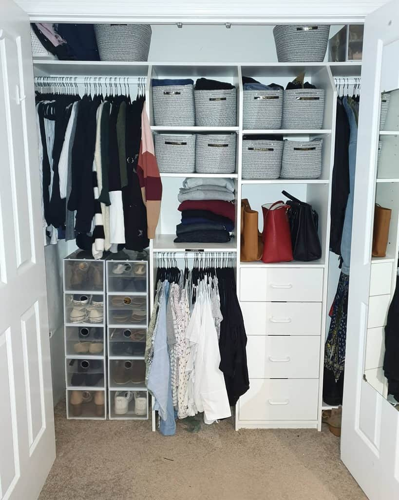 Closet Clothes Storage Ideas -cleartheclutterbyrita