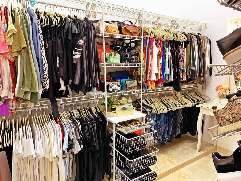 Closet Clothes Storage Ideas -theclosetbcv