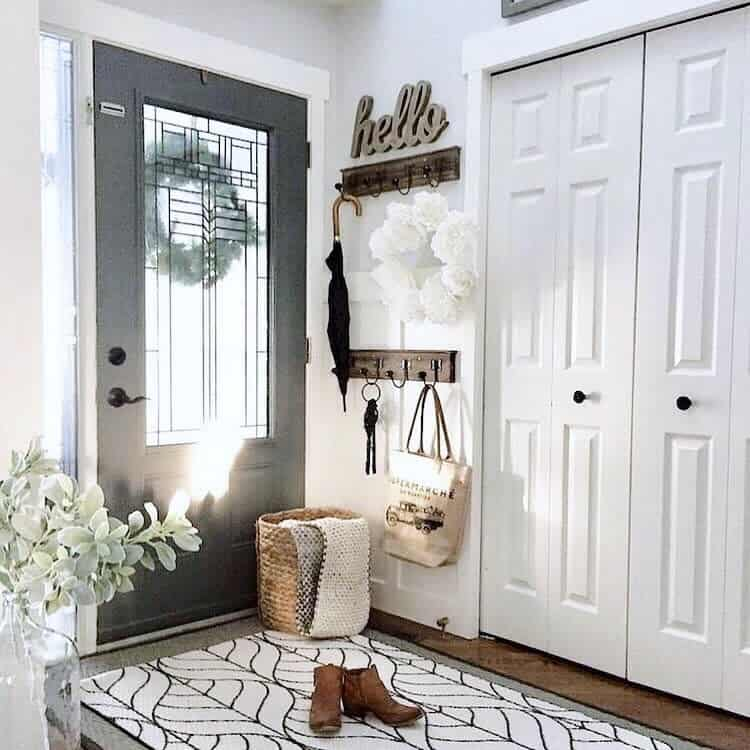 Coat Hanger Small Entryway Ideas -homedecorpassions