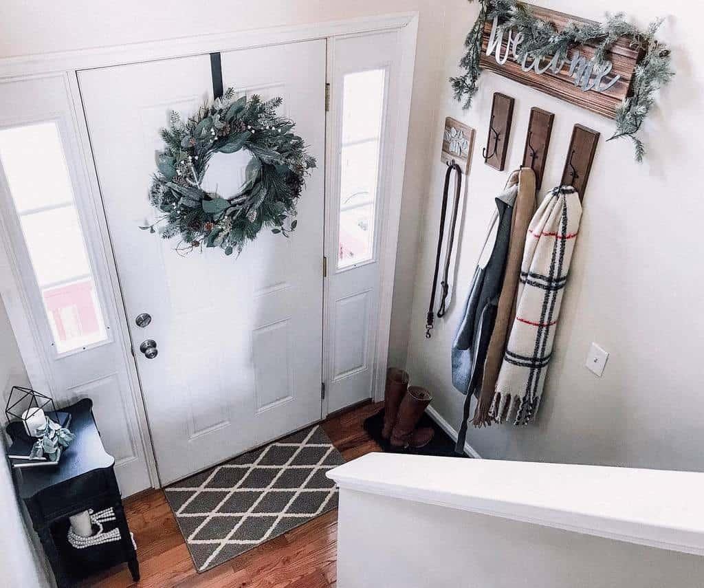 Coat Hanger Small Entryway Ideas -kristina.roy