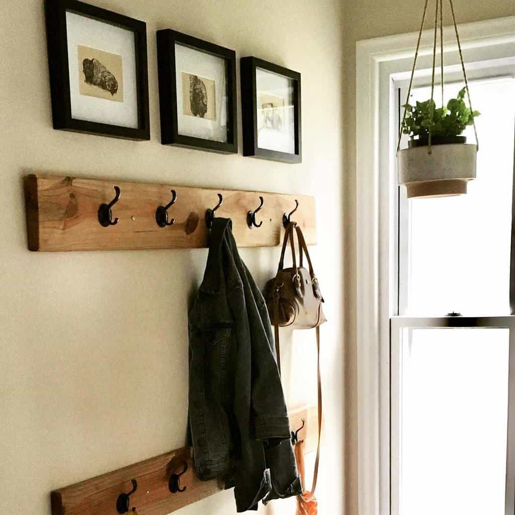 Coat Hanger Small Entryway Ideas -leahsprettythings