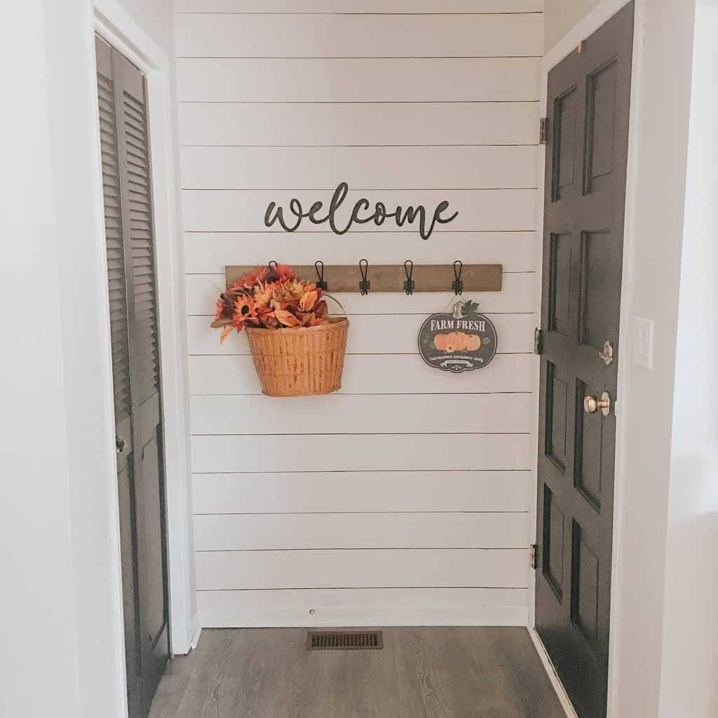 Coat Hanger Small Entryway Ideas -lifewitheverlyandeaston