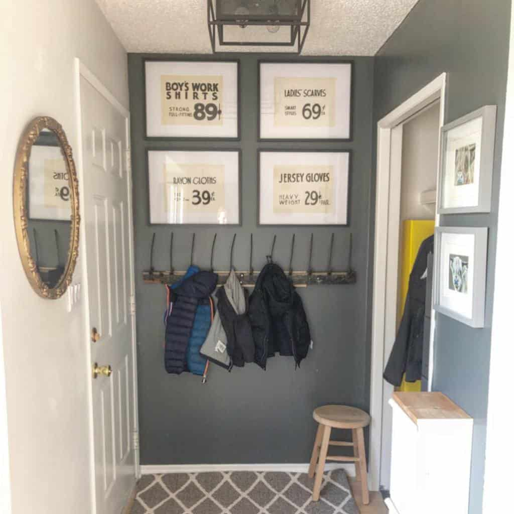 Coat Hanger Small Entryway Ideas -reclaiminghomedecorating