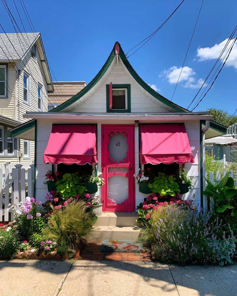 Cottage Curb Appeal Ideas -defrancis_