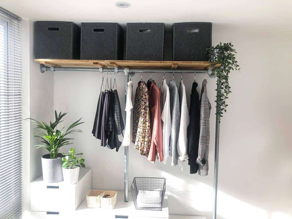DIY Clothes Storage Ideas -microliving_lnd