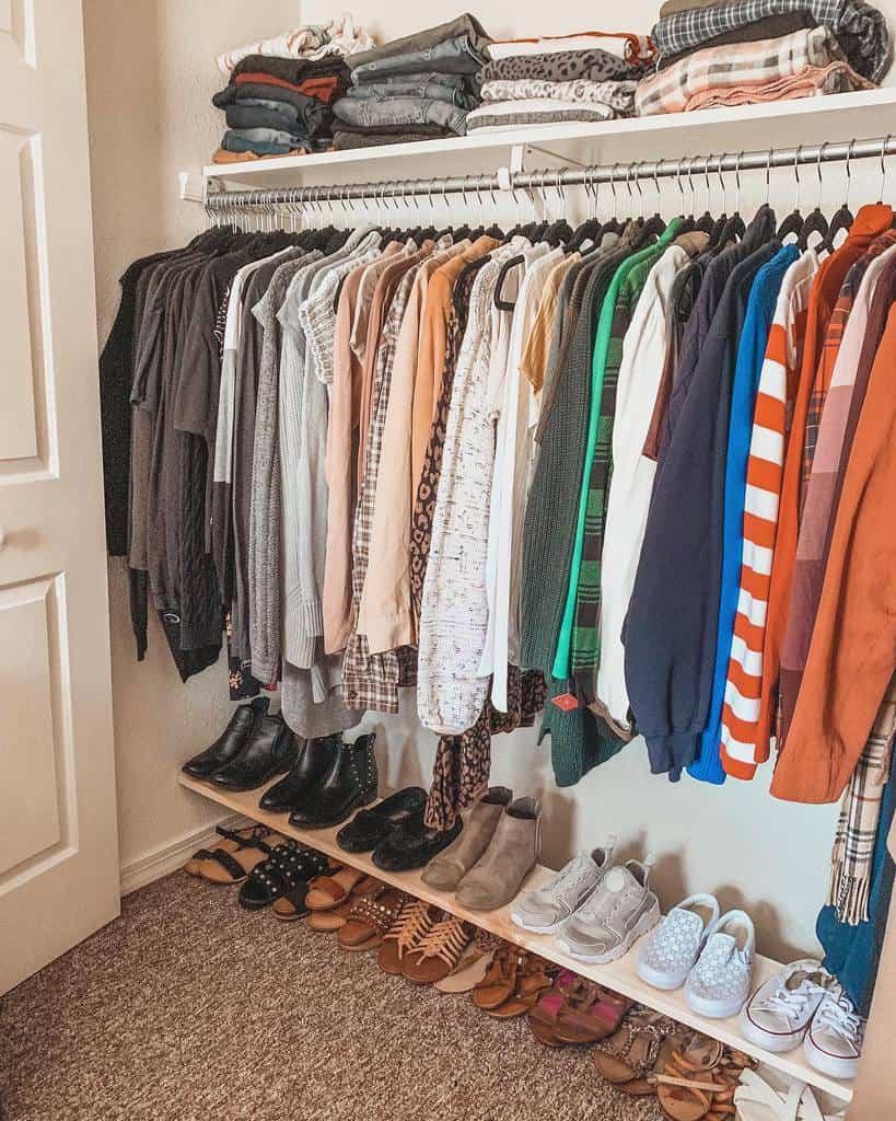 DIY Clothes Storage Ideas -thevanessavazquez