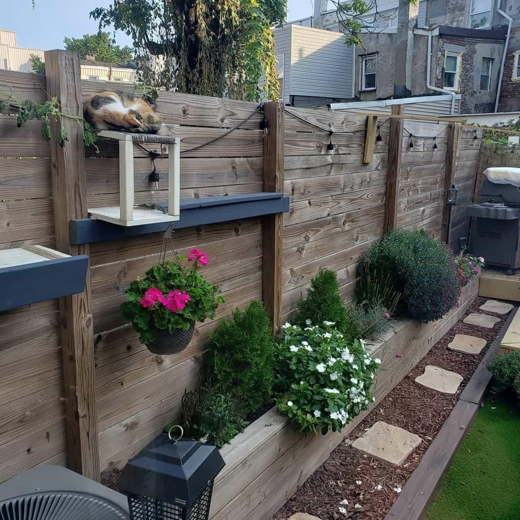 DIY Pallet Fence Ideas -thecraftycatsman