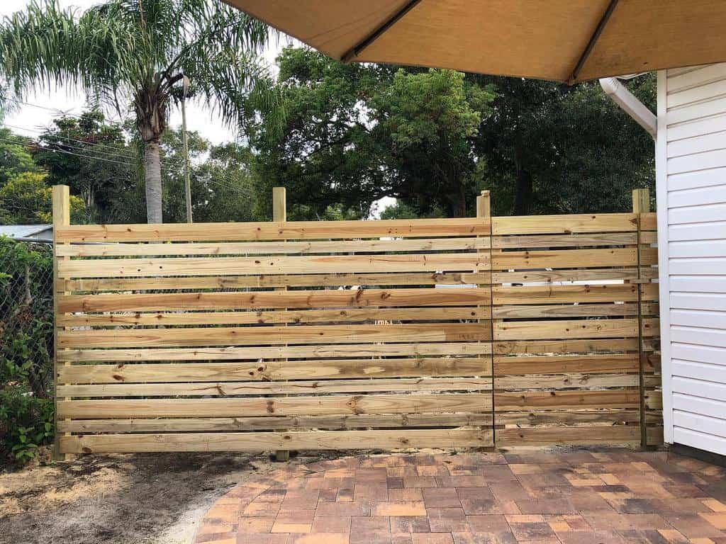 DIY Pallet Fence Ideas -whitflip