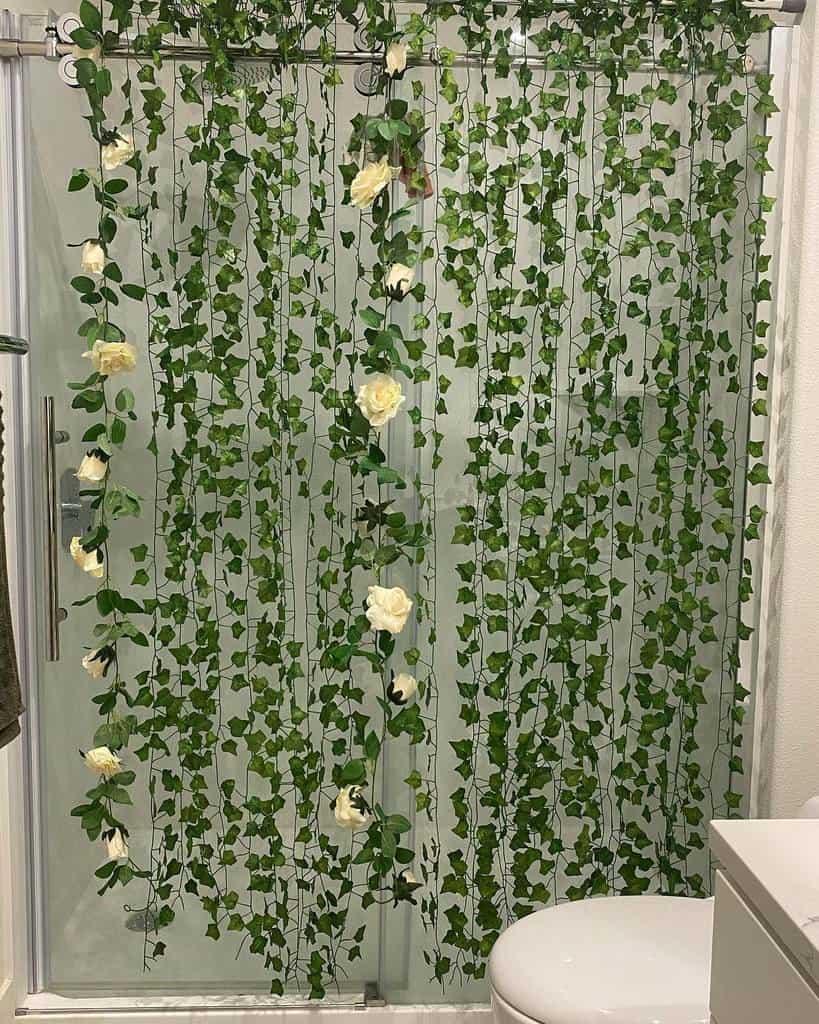 DIY Shower Curtain Ideas -queenthegaudione