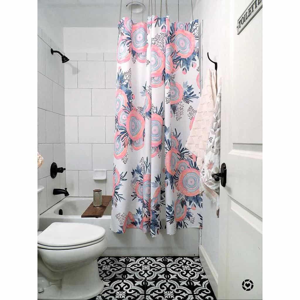 DIY Shower Curtain Ideas -simplysummermorgan