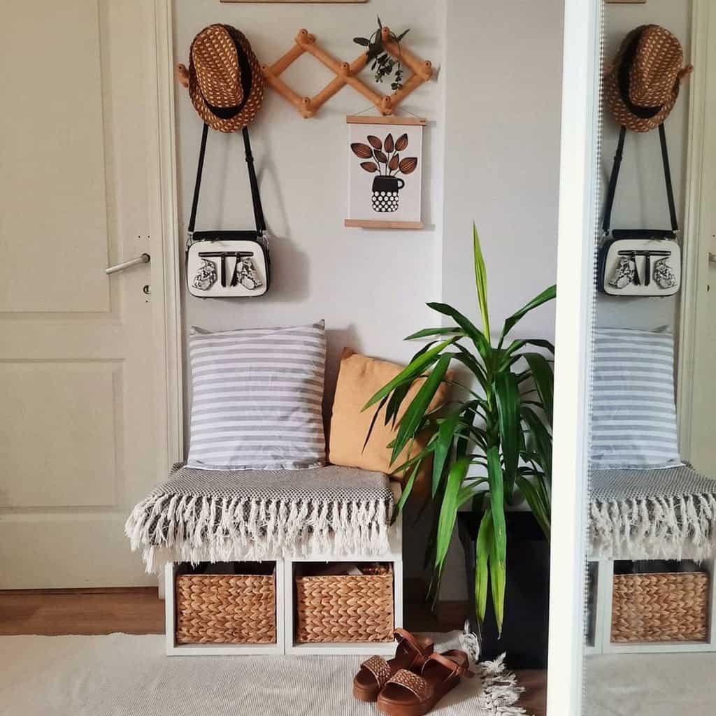 Decor Ideas Small Entryway Ideas -dajana_home_