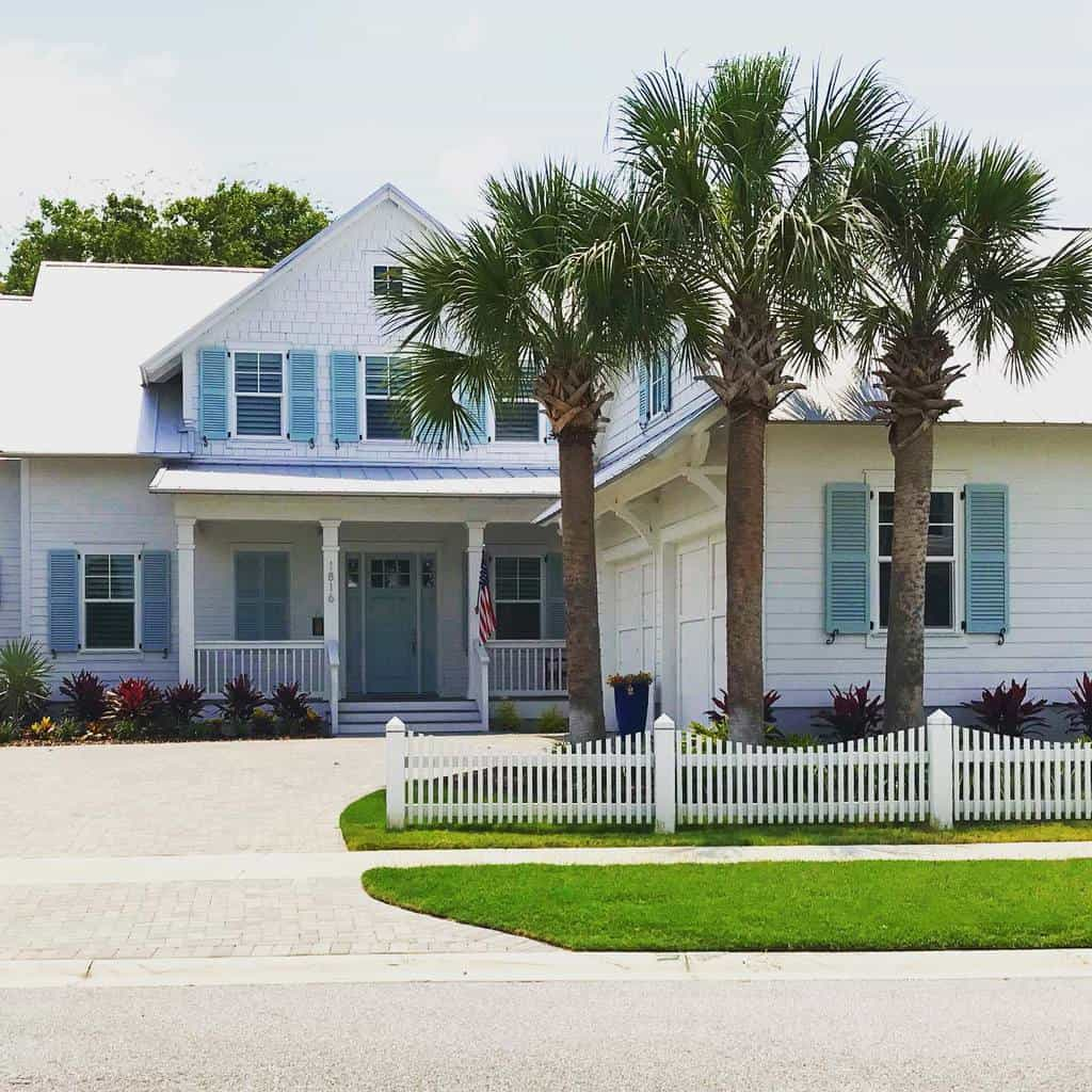 Farmhouse Curb Appeal Ideas -transformationsstaging