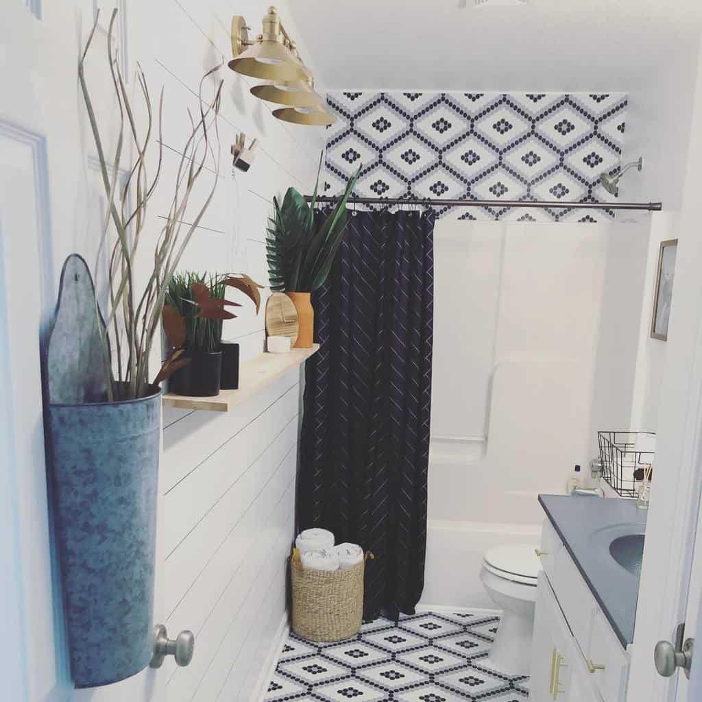 Farmhouse Shower Curtain Ideas -perfectspaces_rachelletaylor