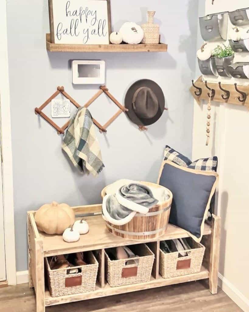 Farmhouse Small Entryway Ideas -faith_family_decorate