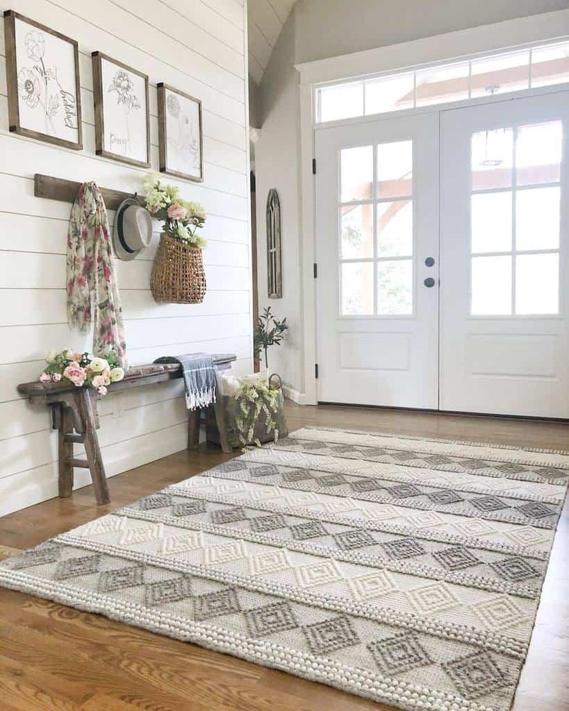 Farmhouse Small Entryway Ideas -lavenderbrookfarm