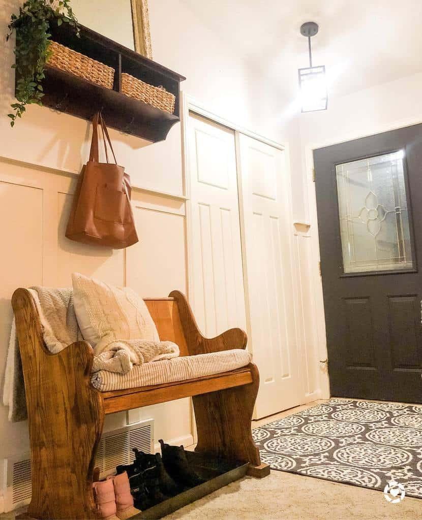 Farmhouse Small Entryway Ideas -minnmademama