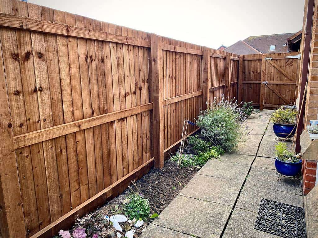 Fence Side Yard Ideas -scs_facilityservices