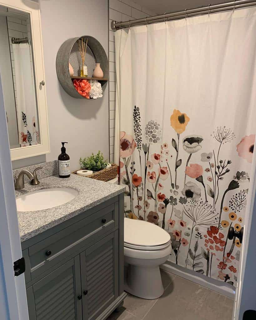 Floral Shower Curtain Ideas -nickithedecormama