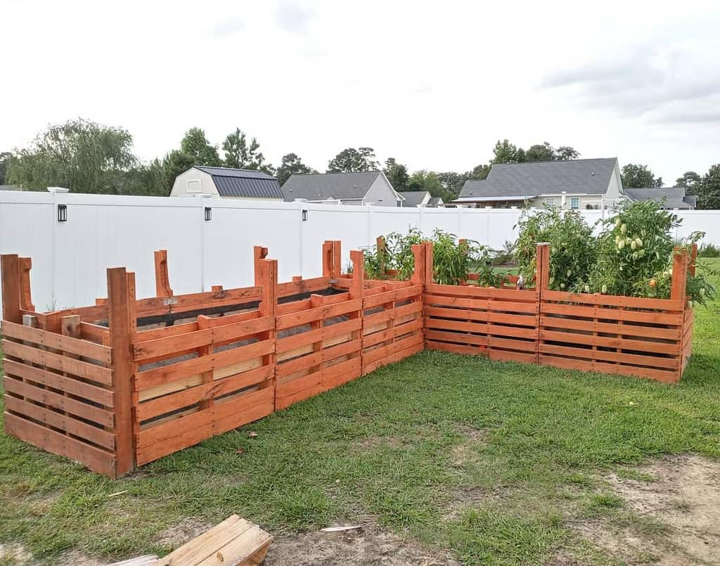Garden Pallet Fence Ideas -jamie.owens1