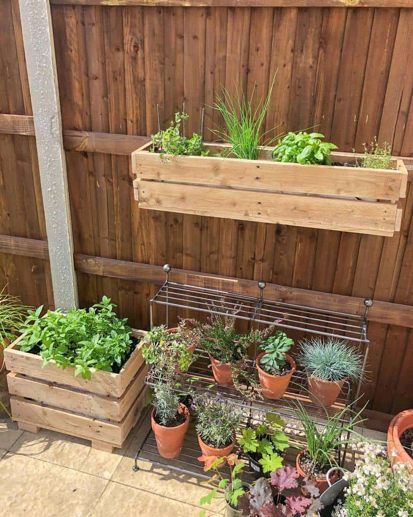 Garden Pallet Fence Ideas -new.house.home