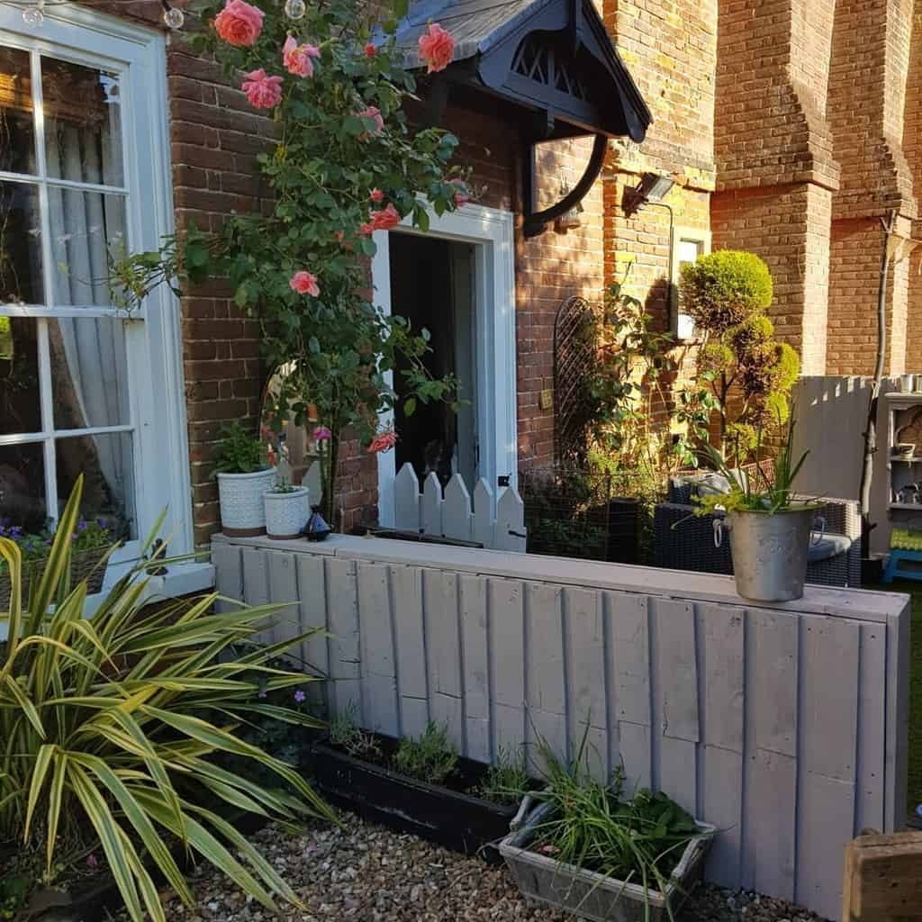 Garden Pallet Fence Ideas -secondhandshopperholic