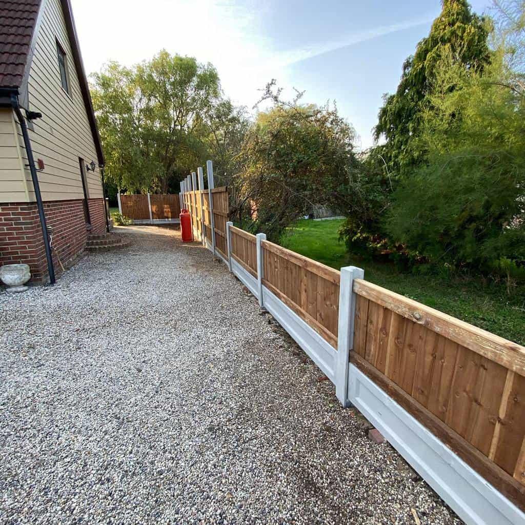 Garden Pallet Fence Ideas -stevelorks