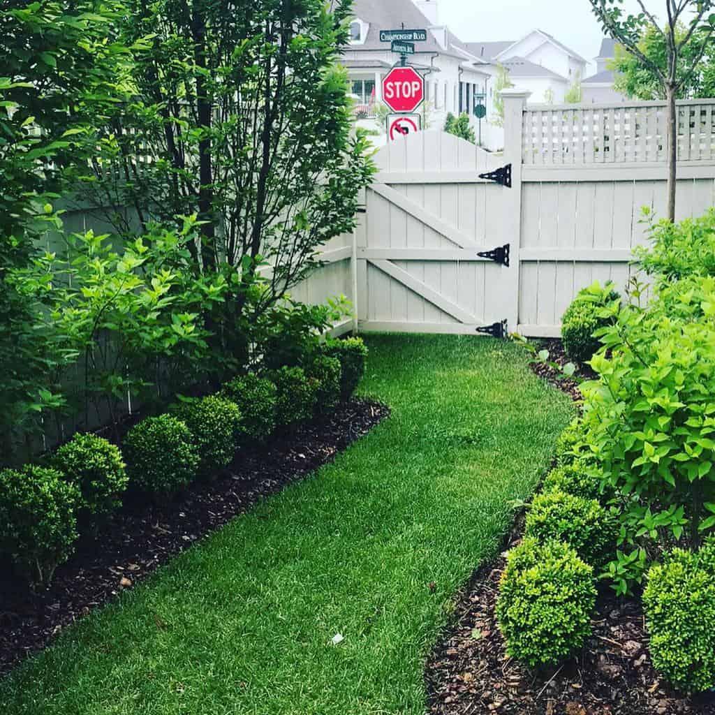 Gate Side Yard Ideas -brynreeve