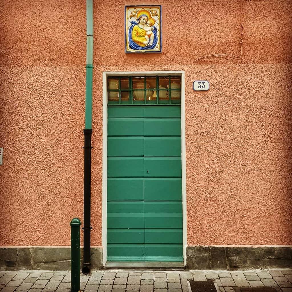 Green Front Door Ideas -hanspeteregg