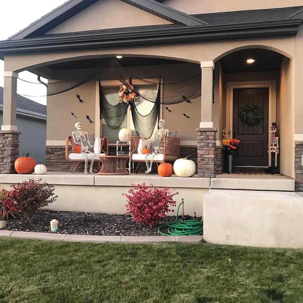Halloween Front Porch Decorating Ideas -alyadairdesign