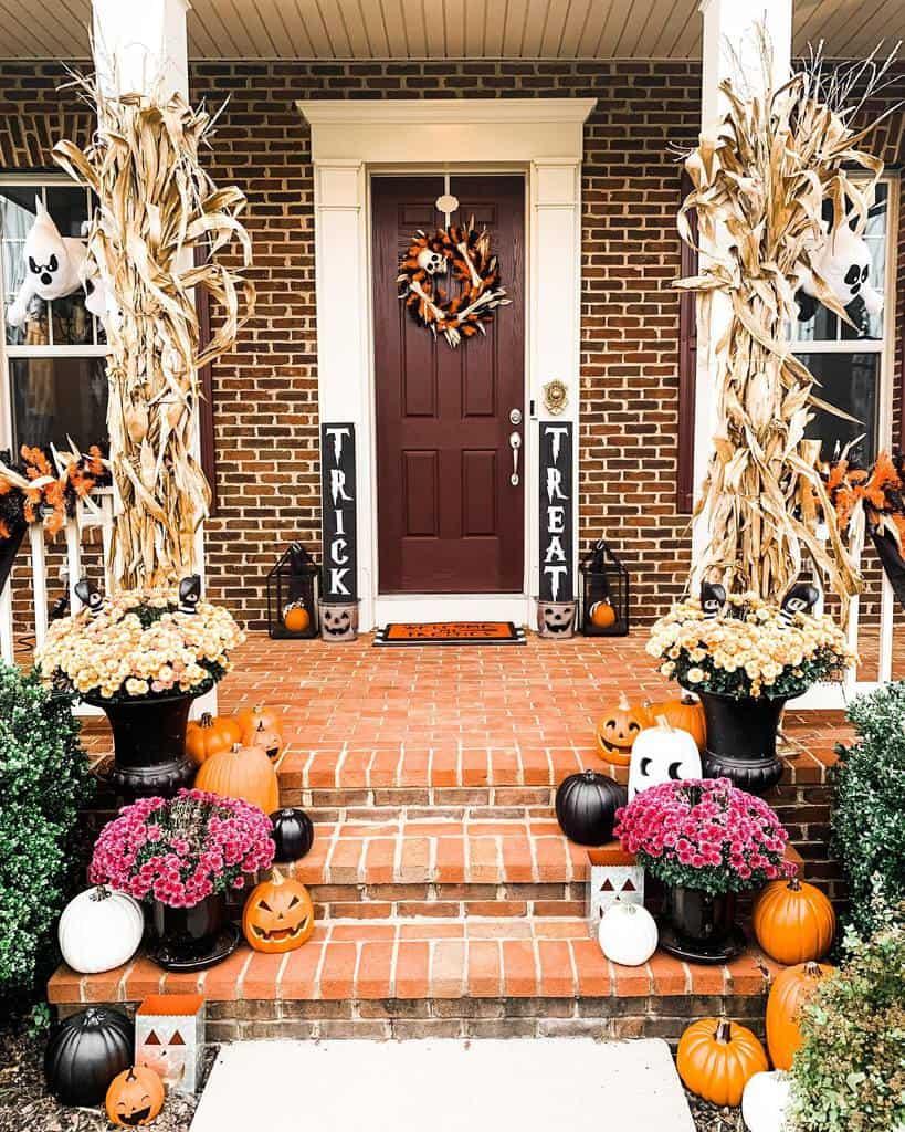 Halloween Front Porch Decorating Ideas -imtallbritt