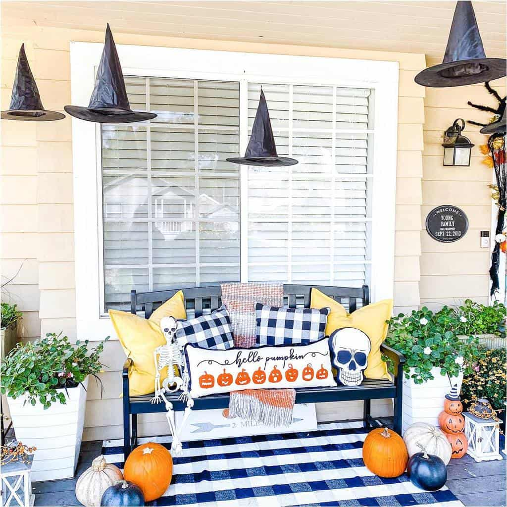 Halloween Front Porch Decorating Ideas -rustichomemomma