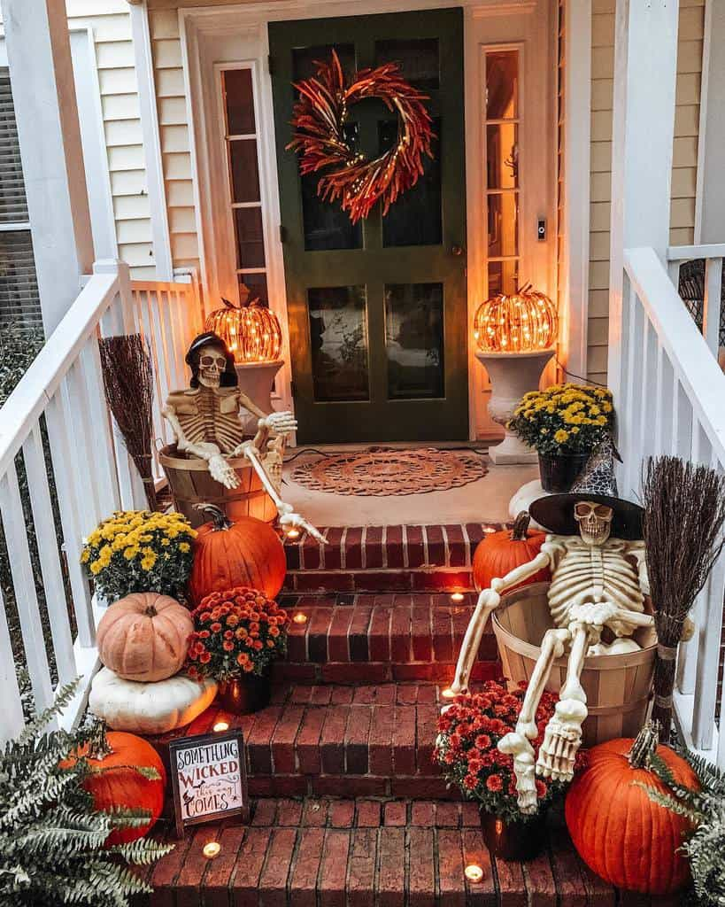 Halloween Front Porch Decorating Ideas -sess_designs