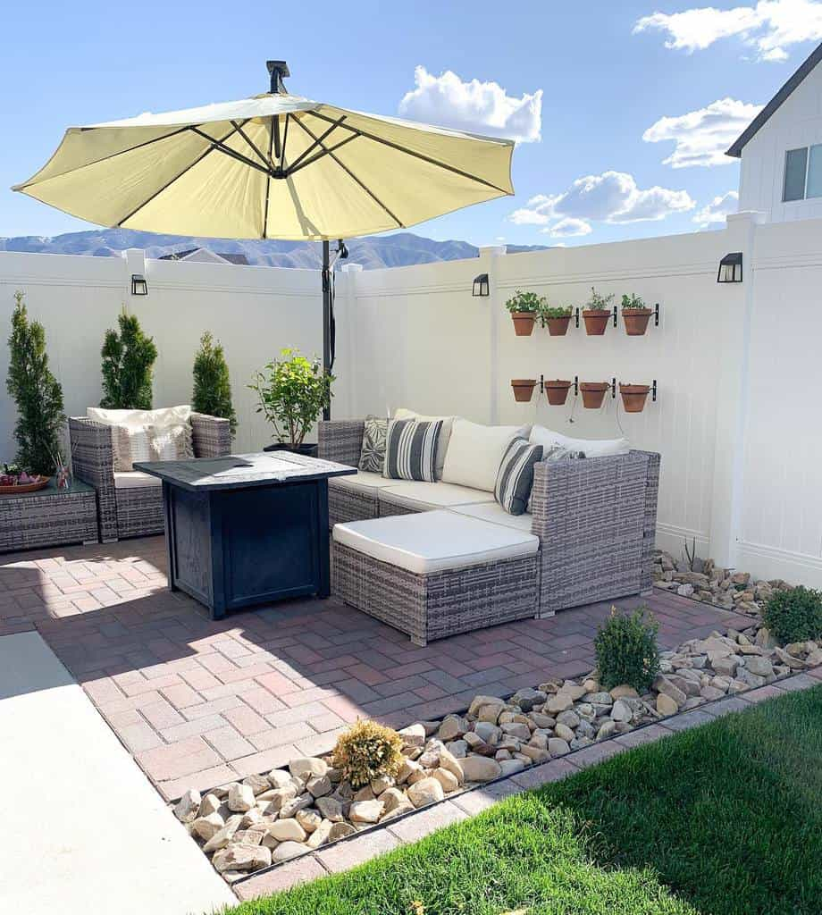 Hardscaping Ideas for Small Spaces -thefontaineflat