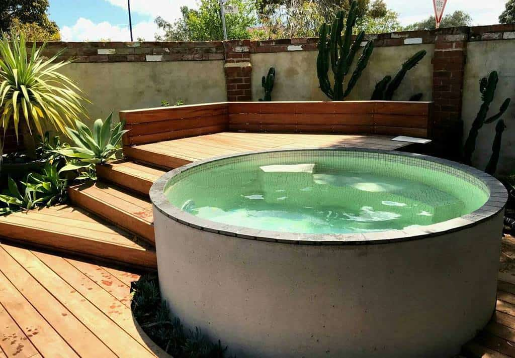 Hardscaping Ideas for Small Spaces -villaplungepools