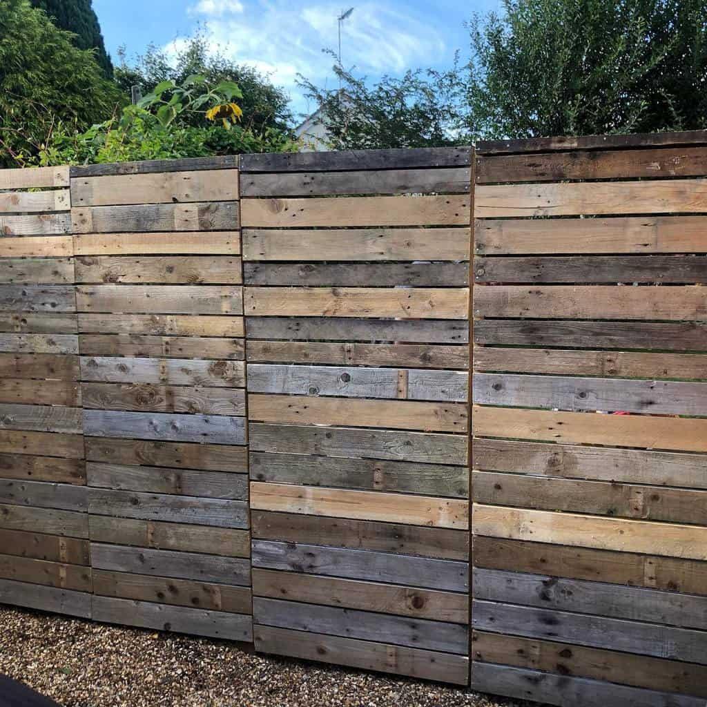 Horizontal Pallet Fence Ideas -jessnosneb