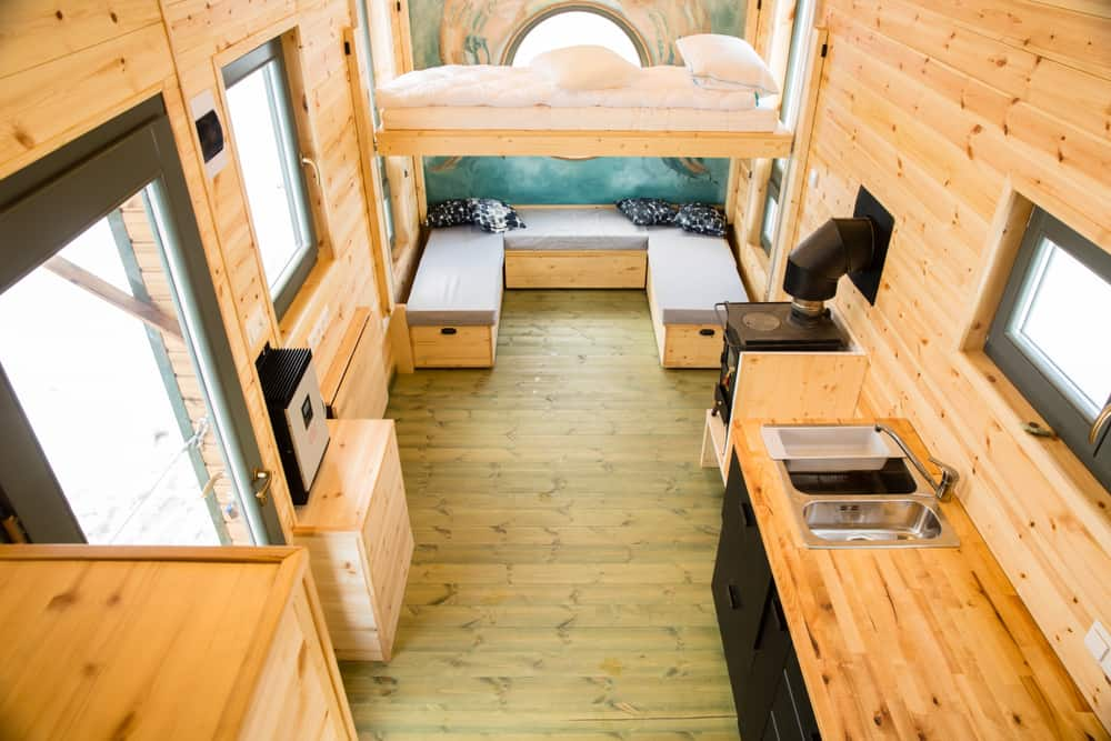 Mobile,Tiny,House,Interior.,Great,For,Outdoor,Experiences,And,Wildlife.