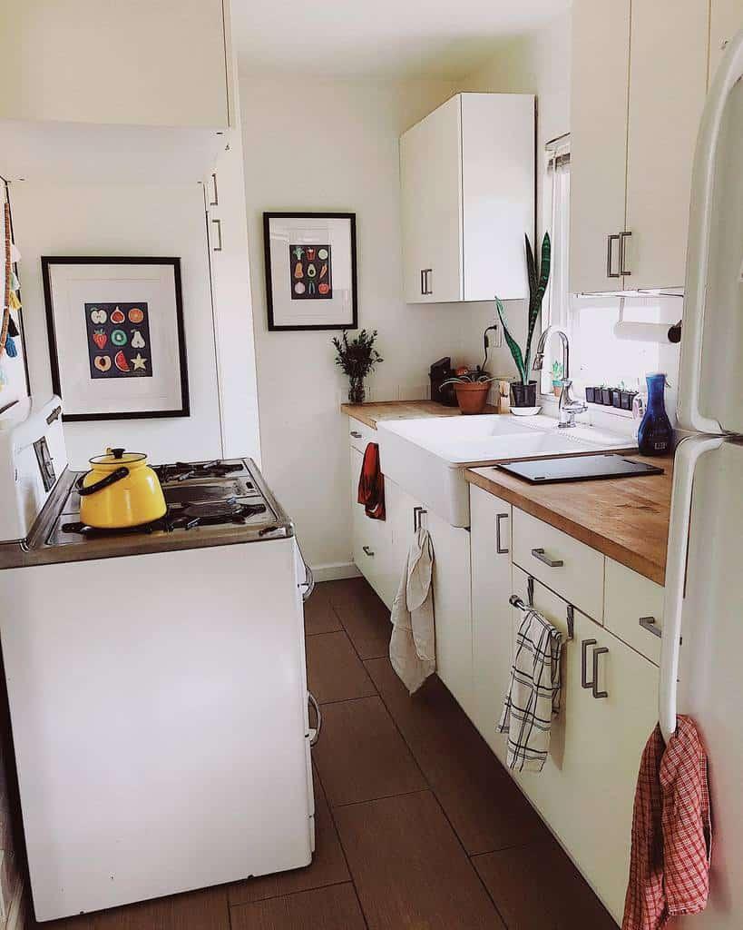 Kitchen Tiny House Ideas -dinner_forone