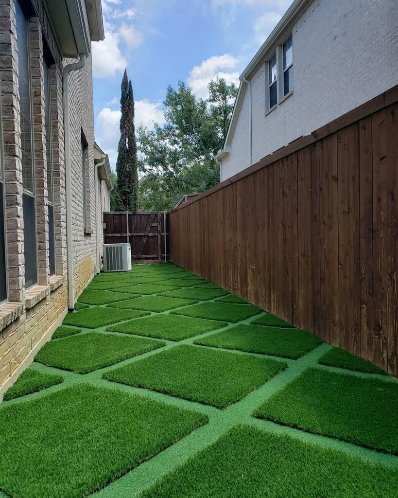 Landscape Side Yard Ideas 2 -turfrocks