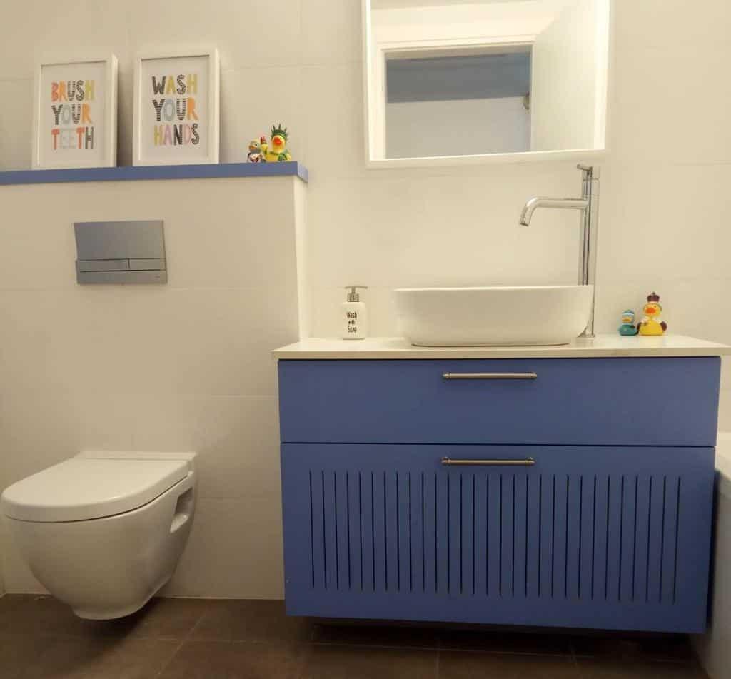 Ledge Over The Toilet Storage Ideas -noa_kravitz_interior_design
